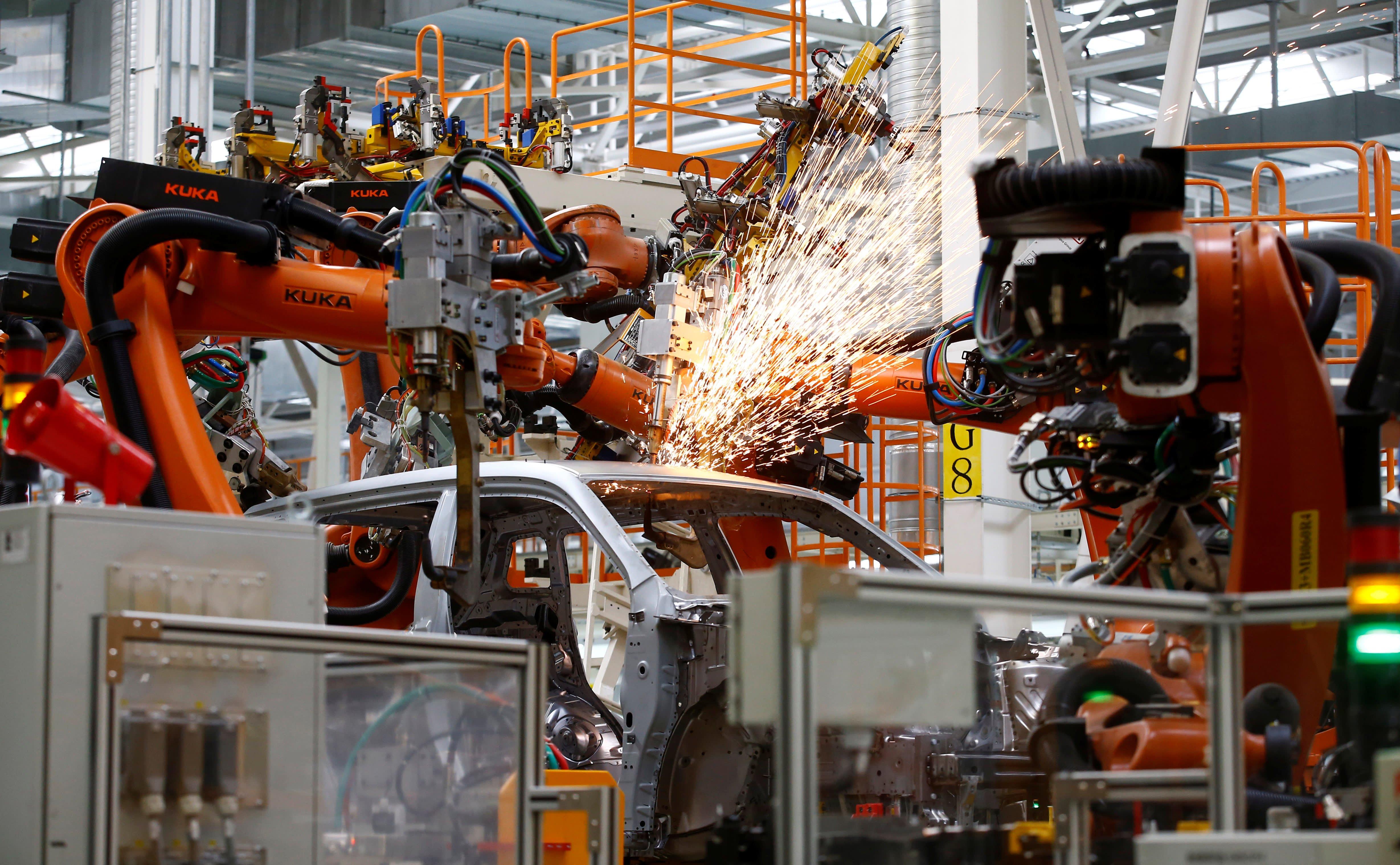 Автопромышленность Китая замедляется, поскольку машины не распродаются