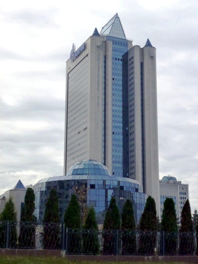 газпром офис москвы фото лаура покинула