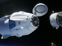 Космический корабль Crew Dragon впервые пристыковался к МКС