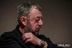 Режиссер Лунгин назвал «мракобесием» требование запретить показ его фильма