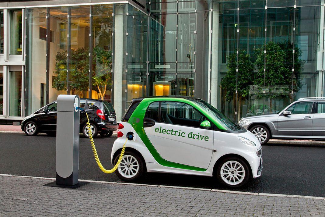 До 1000км на одной подзарядке: стартап обещает прорыв в области батарей для электрокаров