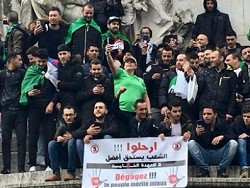 Протесты в богатом нефтью Алжире продолжаются