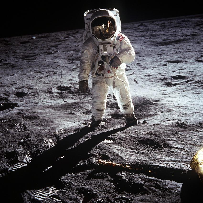 """Отходы """"Аполлон-11"""" помогут узнать о жизни в космосе"""