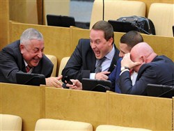 Что показали думские декларации: депутаты живут все лучше и веселее