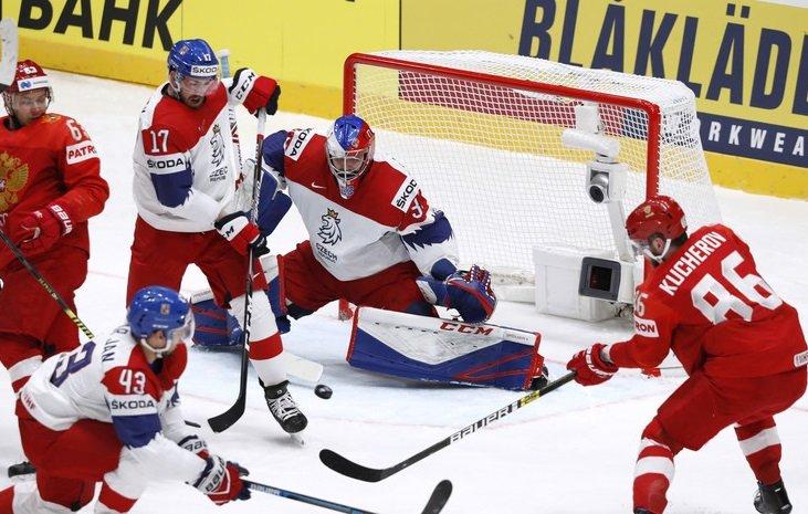 Россия победила Чехию на ЧМ по хоккею и вышла на первое место в группе