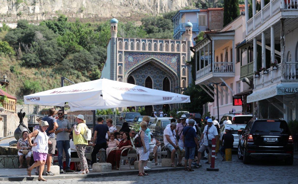 В Грузии предложили запустить для россиян шаттлы из Баку и Еревана