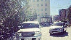 Мэр Якутска продал служебные внедорожники,чтобы профинансировать такси для инвалидов