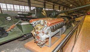 Технический прогресс не затронул двигатели российских современных танков