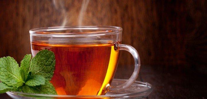 Медики нашли связь между горячим чаем и опасным заболеванием