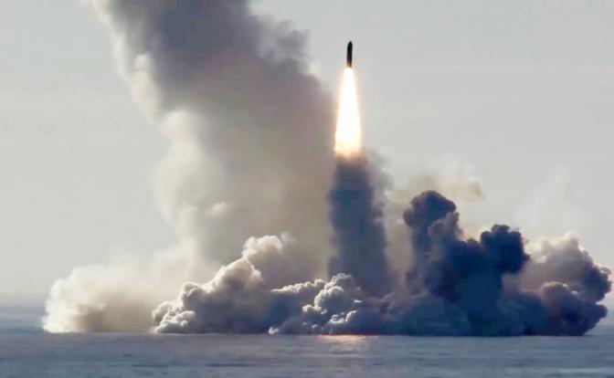 Ракета «Булава» по точности здорово проигрывает «Трайдену»