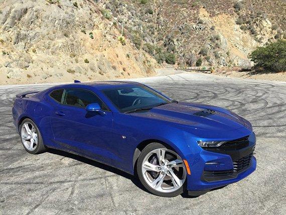Chevrolet Camaro побудет еще немного