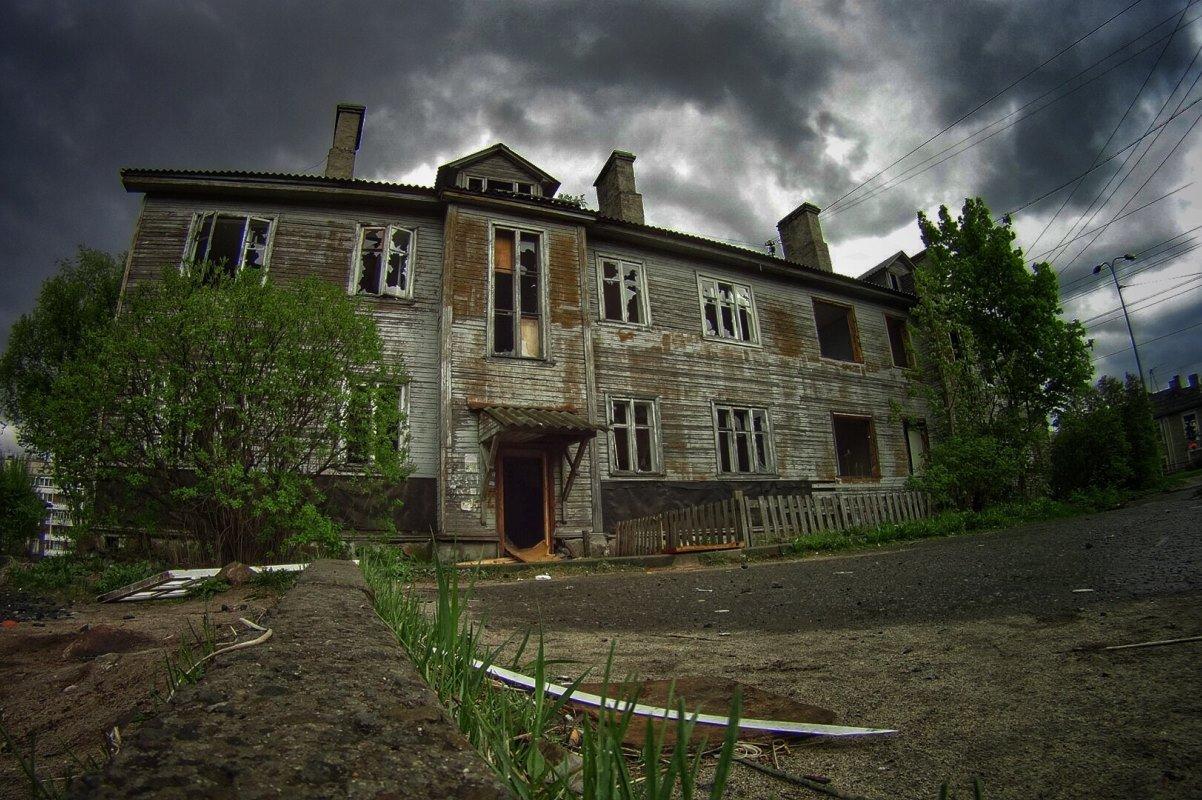 Сколько регионов досрочно расселили нуждающихся из ветхого жилья?