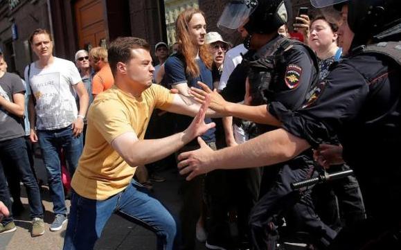 Либералы запустили фейки, чтобы отыграться за провальные митинги в Москве