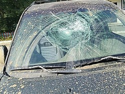 Мужу рассказавшей о пытках в полиции многодетной россиянки разбили машину