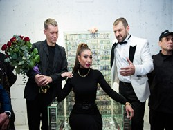 8596798e44a0477ca3236e6bc6b6b70a - Уральский миллиардер набил трон миллионом долларов