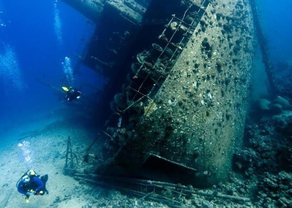 Затонувшие корабли фото со спутника