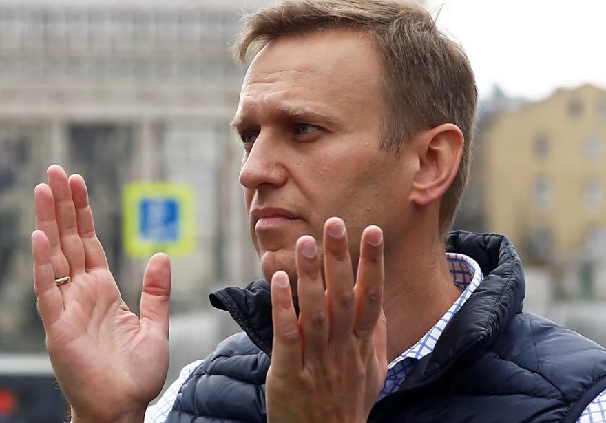 Терроризм: Серуканов рассказал, на что могут идти деньги Навального