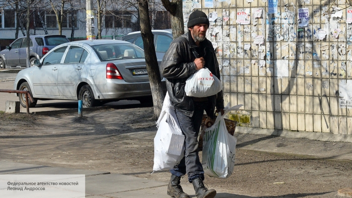 Неожиданный удар от заробитчан: переводы денег на Украину из-за рубежа скоро закончатся