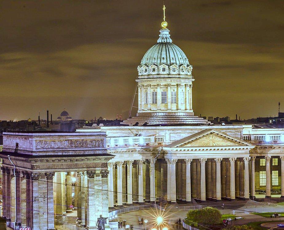 Губернатор Санкт-Петербурга запретил посещать церкви, мечети и парки