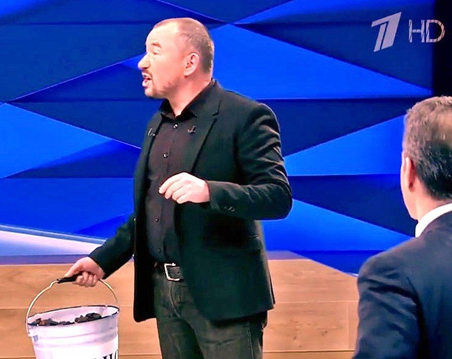 Ведущий Первого канала Шейнин назвал Путина Познером thumbnail