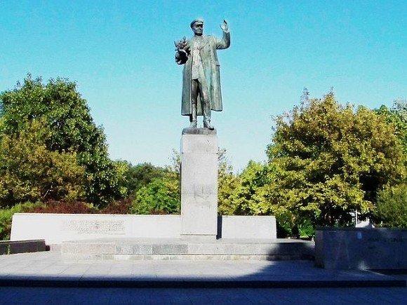 Мэра Праги взяли под защиту государства после сноса памятника маршалу Коневу