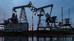В США и Канаде не исключили введение пошлин на нефть из России и Саудовской Аравии thumbnail