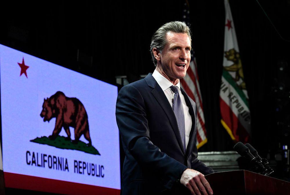 Гэвин Ньюсом объявляет Калифорнию «национальным государством» thumbnail