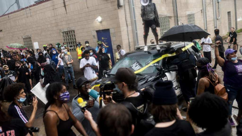"""""""Я не могу дышать"""": беспорядки в США после смерти задержанного под коленом полицейского"""