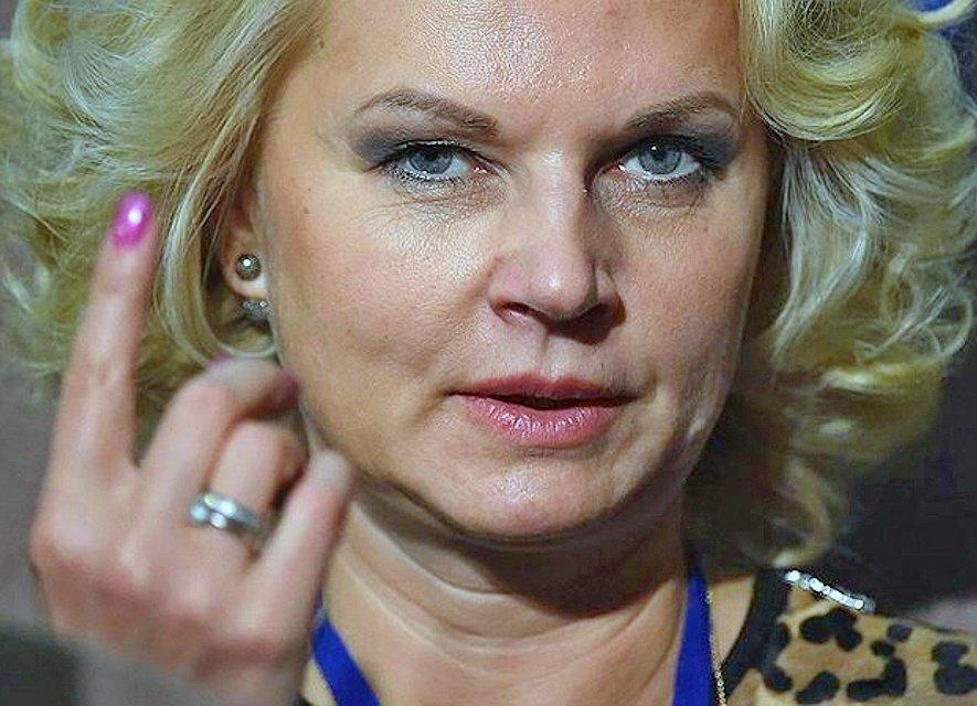 Вице-премьер Голикова: Заболевшие COVID-19 медики заразились не на работе