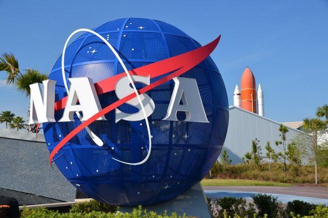 """Crew Dragon"" отдыхает: NASA заплатит России за доставку астронавта на МКС"
