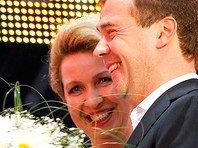 Самолет Светланы Медведевой приземлился в Барселоне
