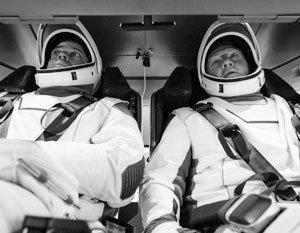 Crew Dragon с астронавтами совершил посадку в Мексиканском заливе