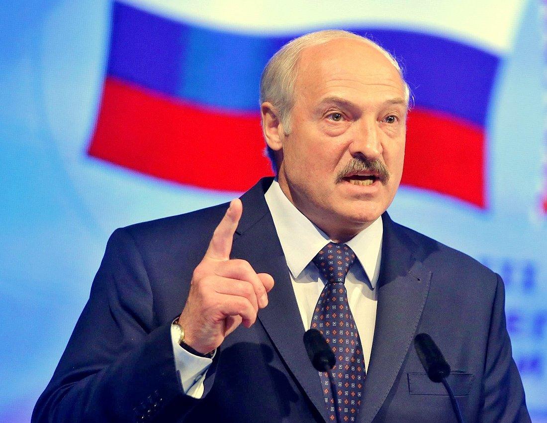Лукашенко подтвердил, что пригласил россиян на места бастующих в стране журналистов