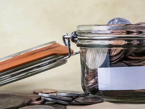 В России хотят «сбалансировать» госбюджет, снизив расходы на программы вооружений и зарплаты чиновников
