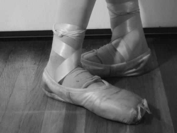СМИ: Коронавирус бесконтрольно распространяется в балетной труппе новосибирского театра