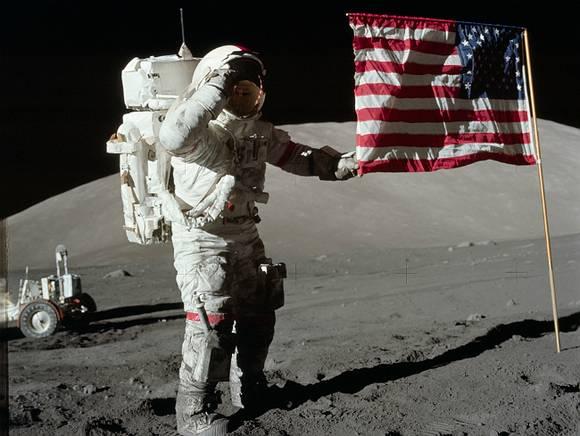 Америка обскачет Россию на Луне?