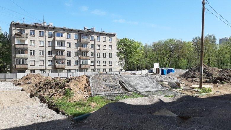Казус Малаховой: жертва реновации живет с 6-летним ребенком в брошенном доме