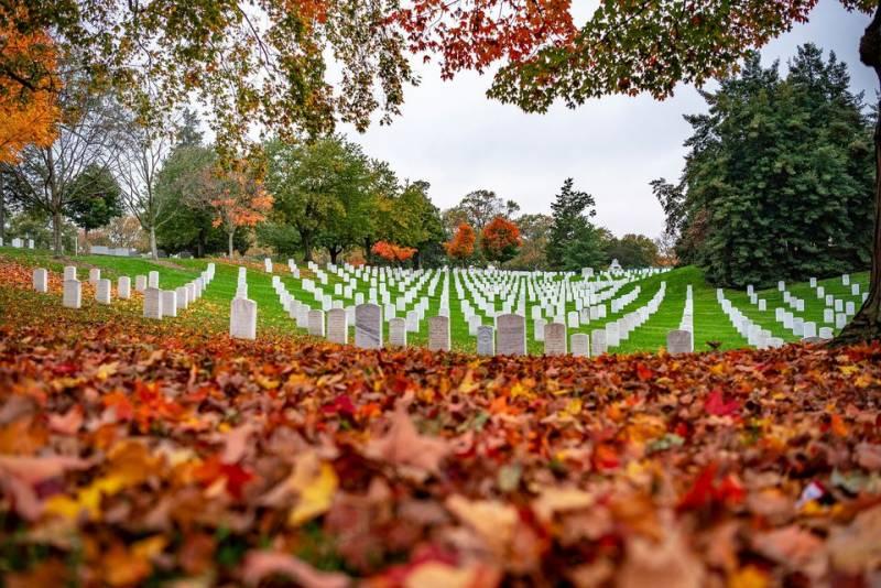 В день инаугурации в Вашингтоне решили закрыть даже Арлингтонское военное кладбище