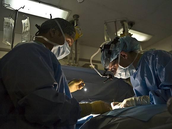 9544e7226a1143e2b3e9eceb85742eee - Пациенту впервые в мире пересадили руки и плечи