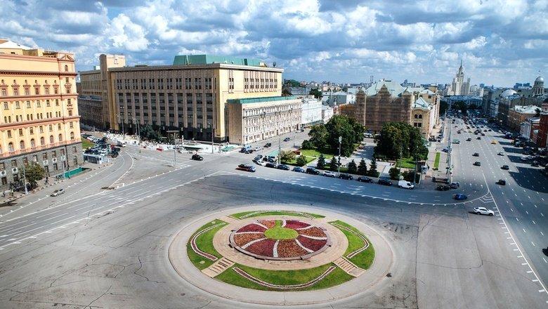 """""""Издевательство, а не выбор"""": историки в ужасе от вариантов памятника для Лубянки"""