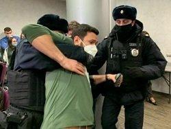 МВД объяснило задержание 200 оппозиционеров в Москве: не надели маски