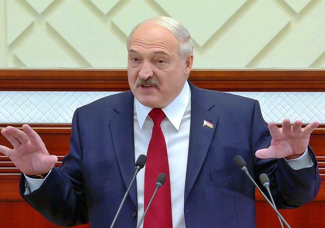 Лукашенко выступил против слияния Белоруссии и РФ