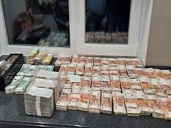 У губернатора Пензенской области нашли около 500 млн рублей наличными