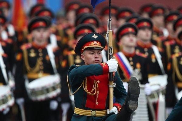 Через неделю после парада вирусолог заявил о начале третьей волны в Москве