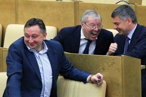 Депутаты требуют ввести в России налог на роскошь