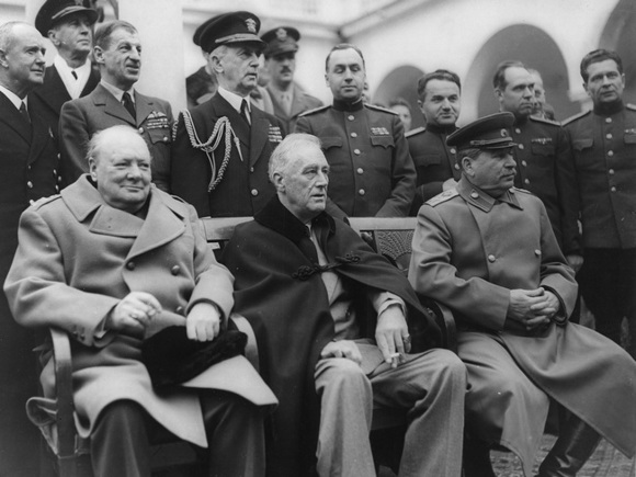 СССР сам виноват в сломе Ялтинской системы