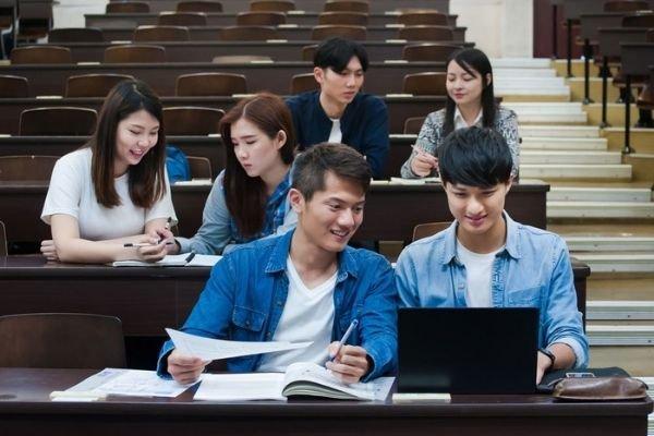 В СовФеде предложили пакет льгот студентам – иностранным, а не российским