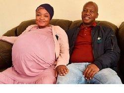 Женщина-рекордсменка родила сразу 10 детей безработному мужу