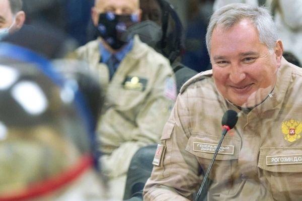 Рогозин попросил триллион рублей на соперничество с Маском