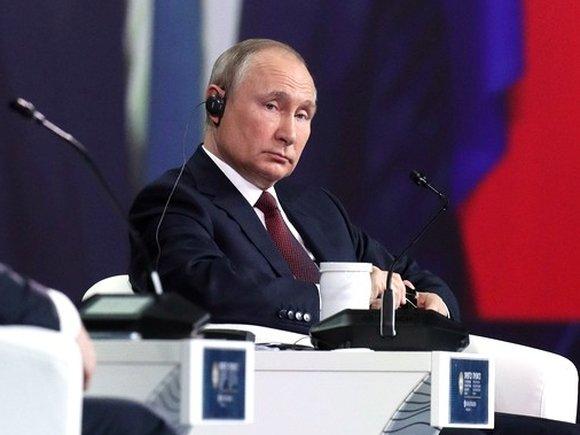 """Путин удивился, когда ему напомнили его же слова середины 90-х о """"жесткой руке"""""""